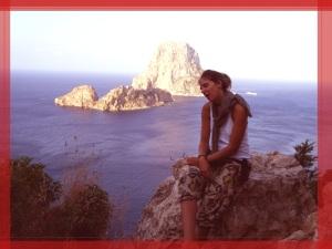 Dicen que la diosa Tani reposa entre las rocas de Es Vedrà